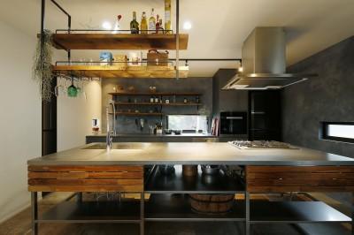 笑顔が集まるおもてなしの空間 (キッチン)