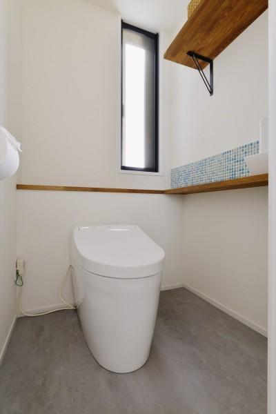 トイレ (M邸_天衣無縫 壁があっても家族はつながる)