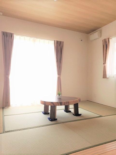 その他事例:和室(気持ちゆったり広々リビング空間)