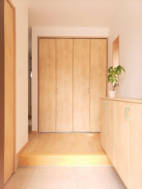 玄関事例:玄関(気持ちゆったり広々リビング空間)