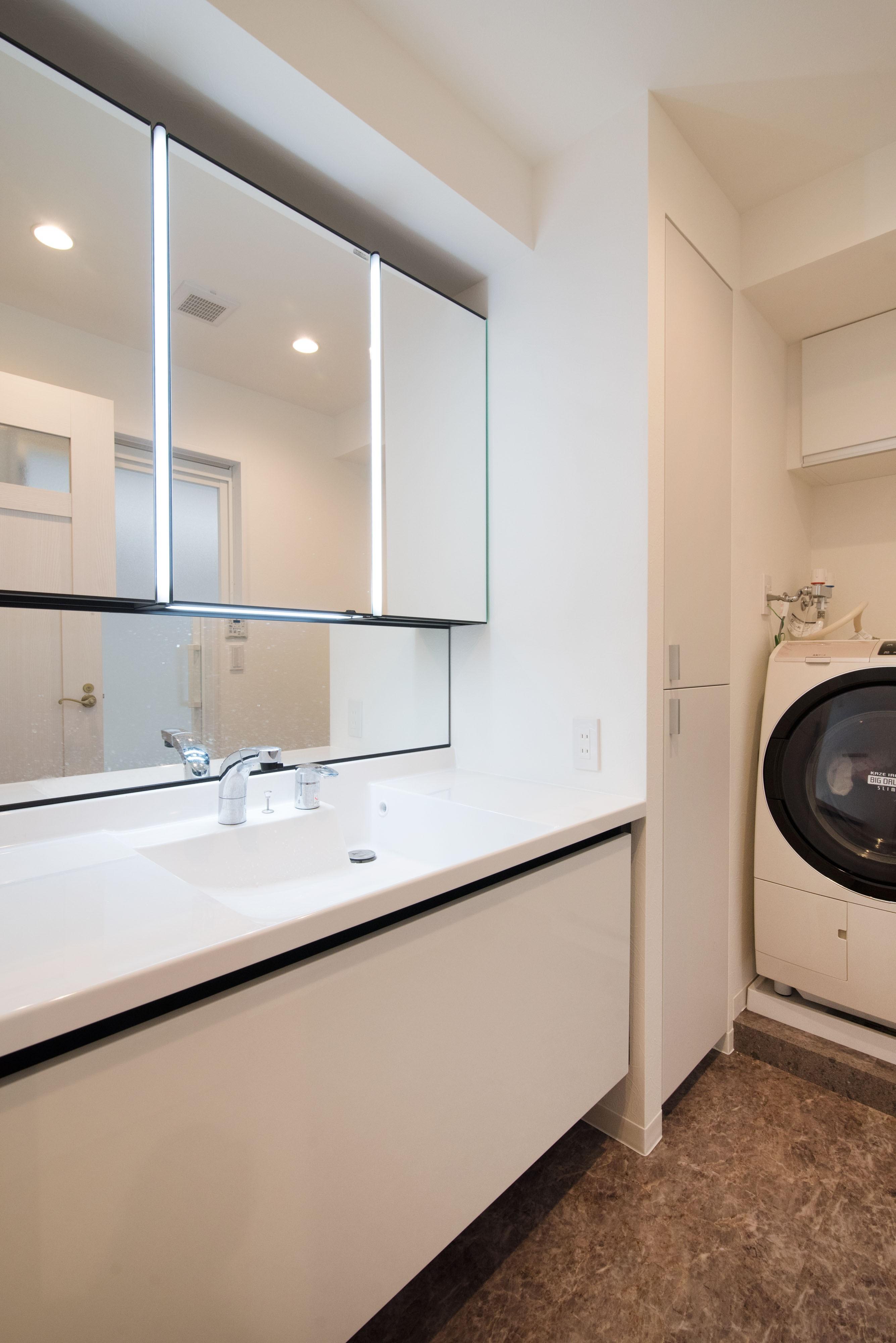 バス/トイレ事例:洗面室(かくれんぼの名人)