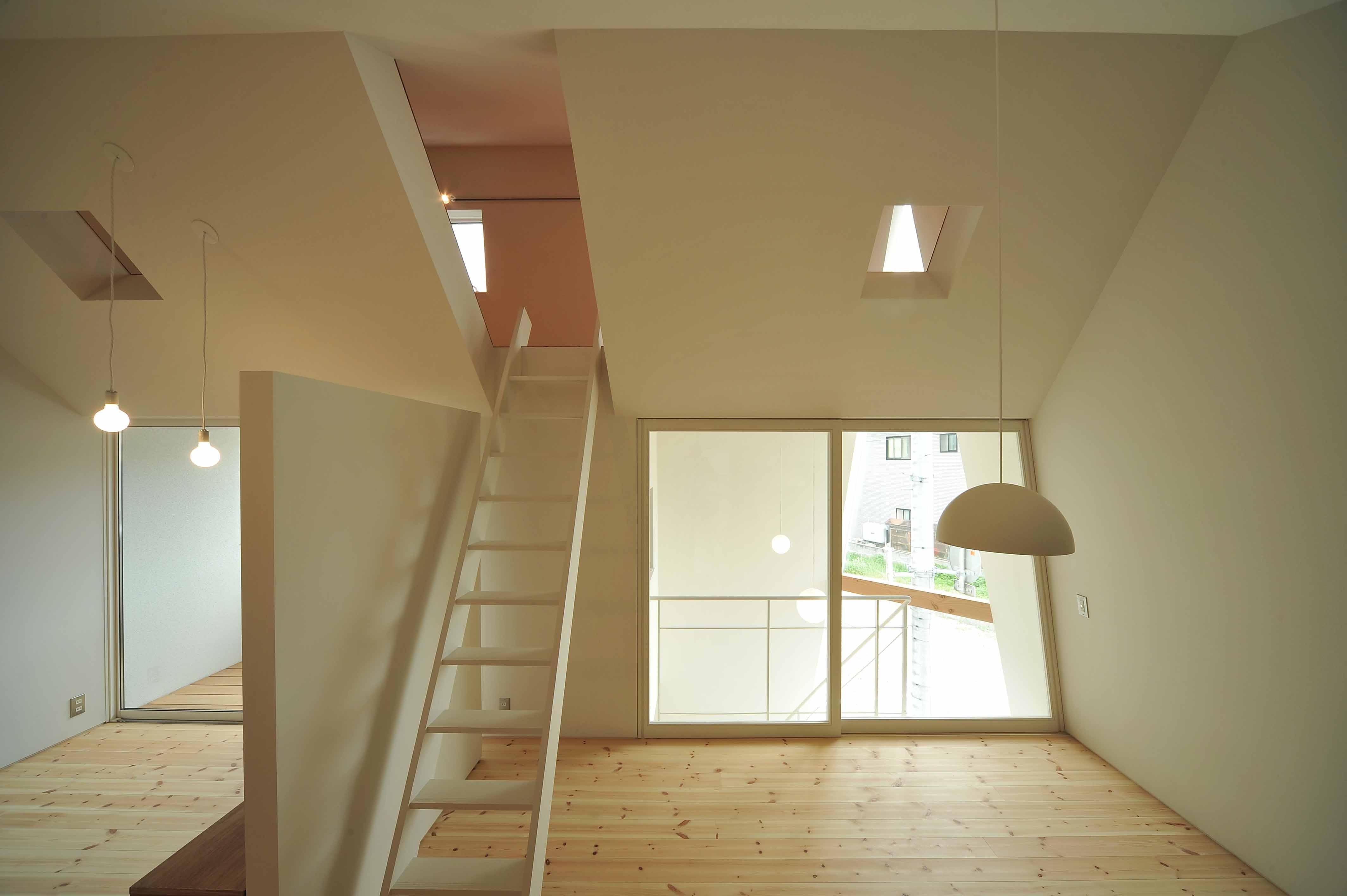 リビングダイニング事例:リビングルーム(shiro house)
