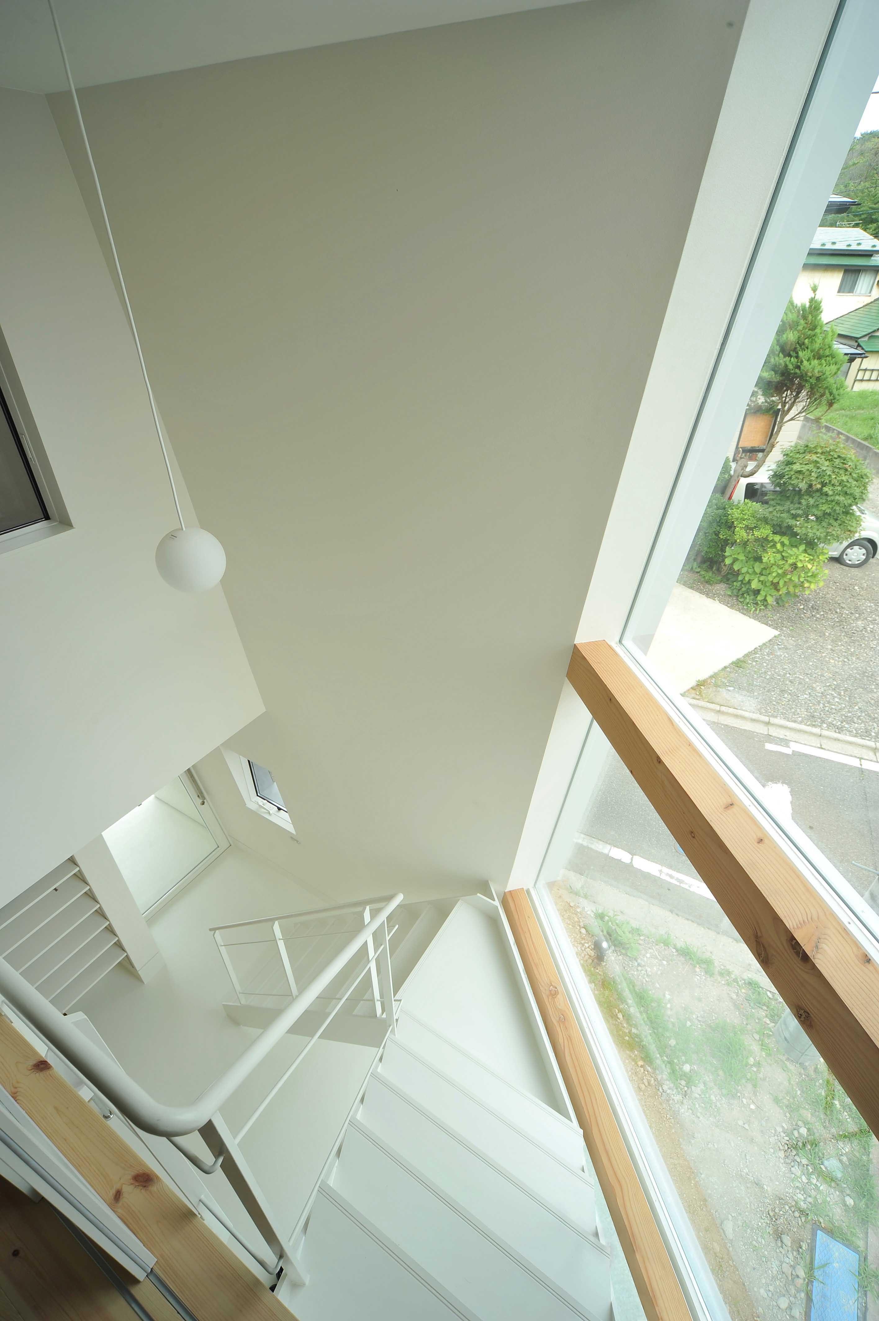 その他事例:階段・吹き抜け(shiro house)