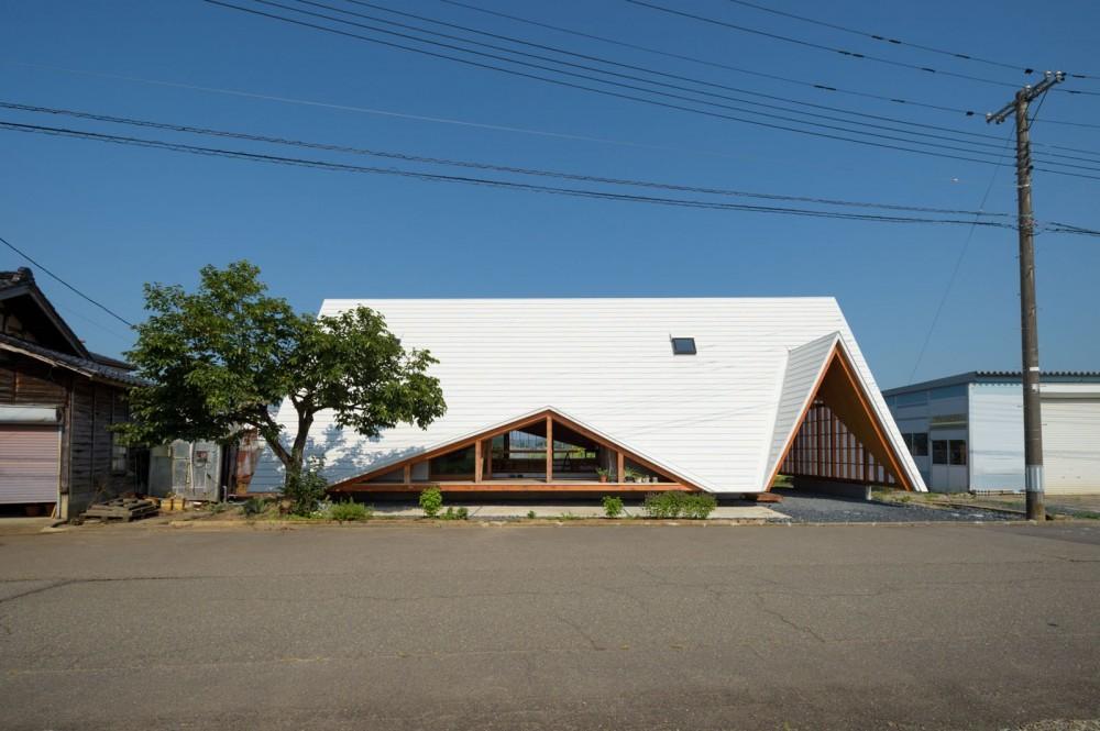 外観 (hara house)