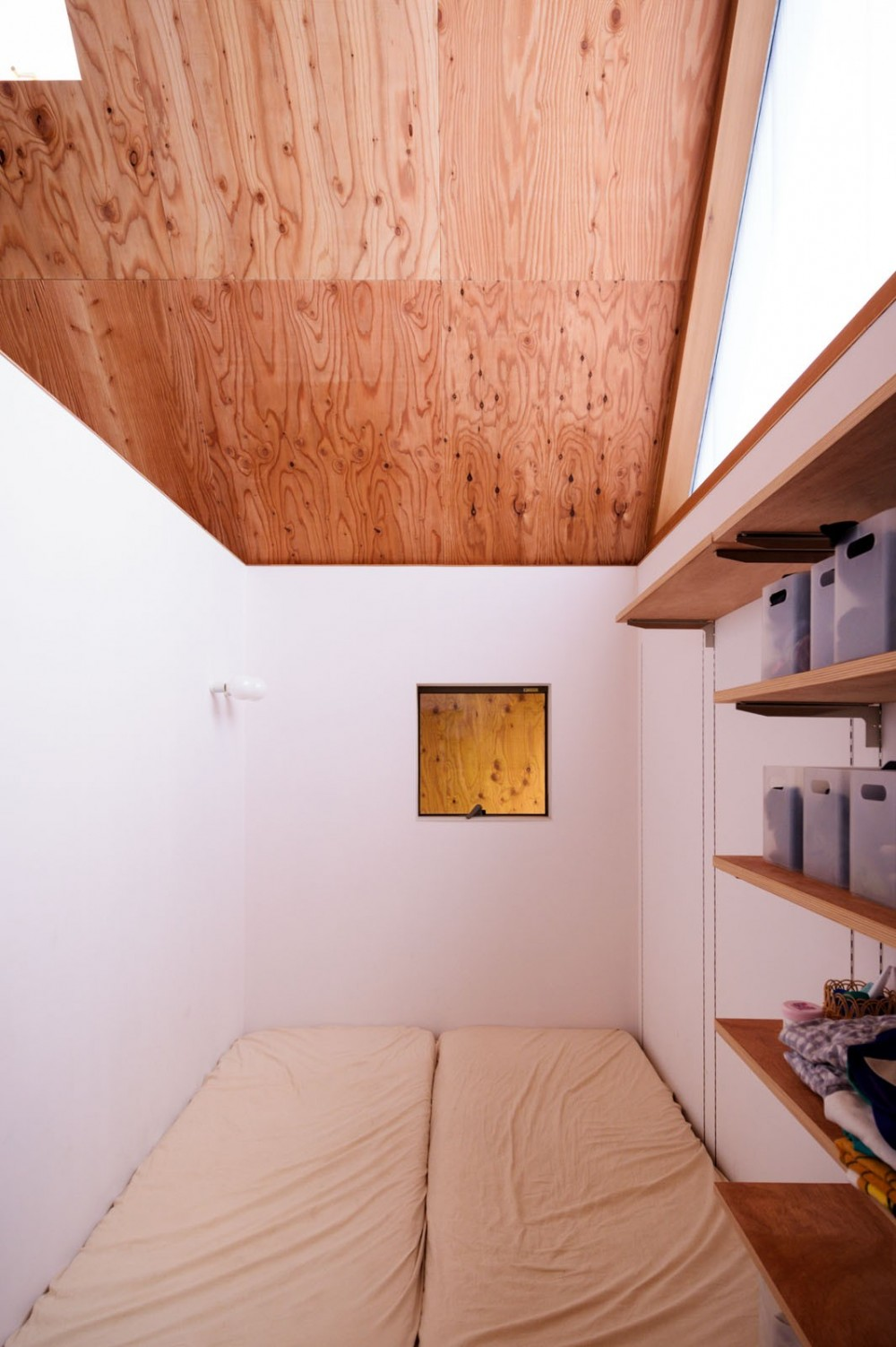 hara house (寝室)