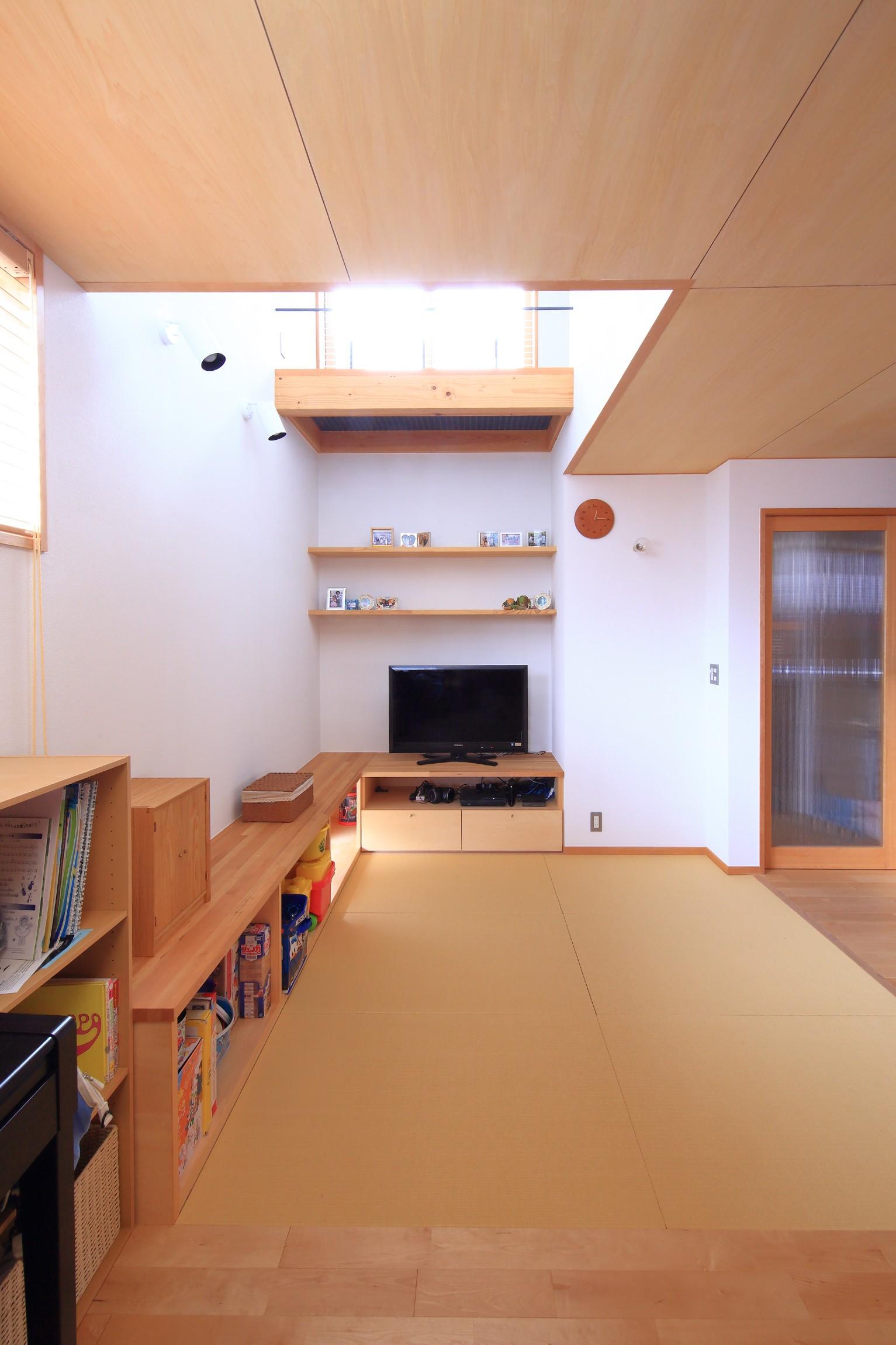 リビングダイニング事例:リビング畳スペース(寛ぎの家~家事を楽にこなしてゆとりの時間を楽しむ家~)