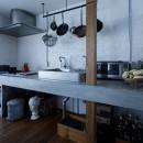 SENSUOUS-築50年以上の古さを生かし、デザインと素材にこだわった家づくりの写真 キッチン