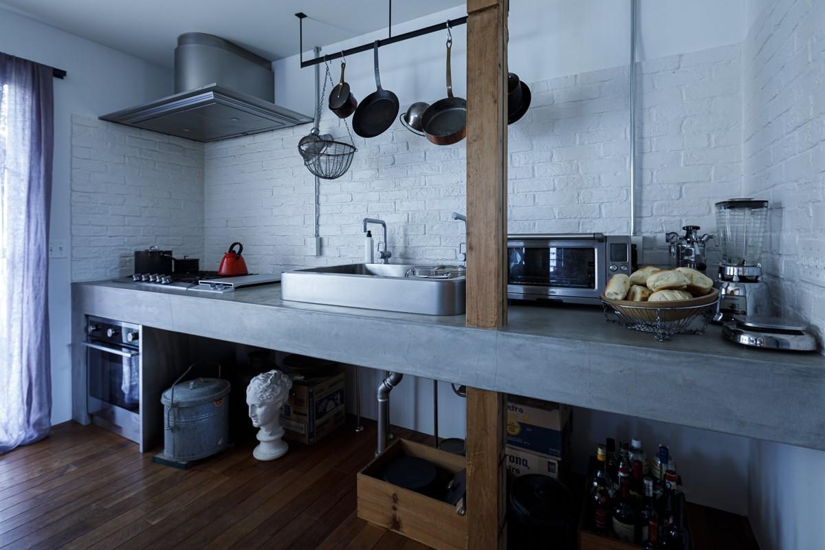 キッチン事例:キッチン(SENSUOUS-築50年以上の古さを生かし、デザインと素材にこだわった家づくり)