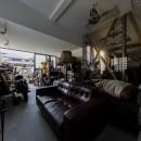 SENSUOUS-築50年以上の古さを生かし、デザインと素材にこだわった家づくりの写真 ガレージ