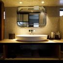 SENSUOUS-築50年以上の古さを生かし、デザインと素材にこだわった家づくりの写真 洗面所