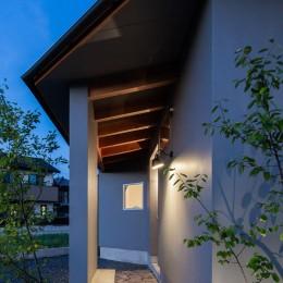 祖父江町の家/角地に建つ平屋の住まい (外観)