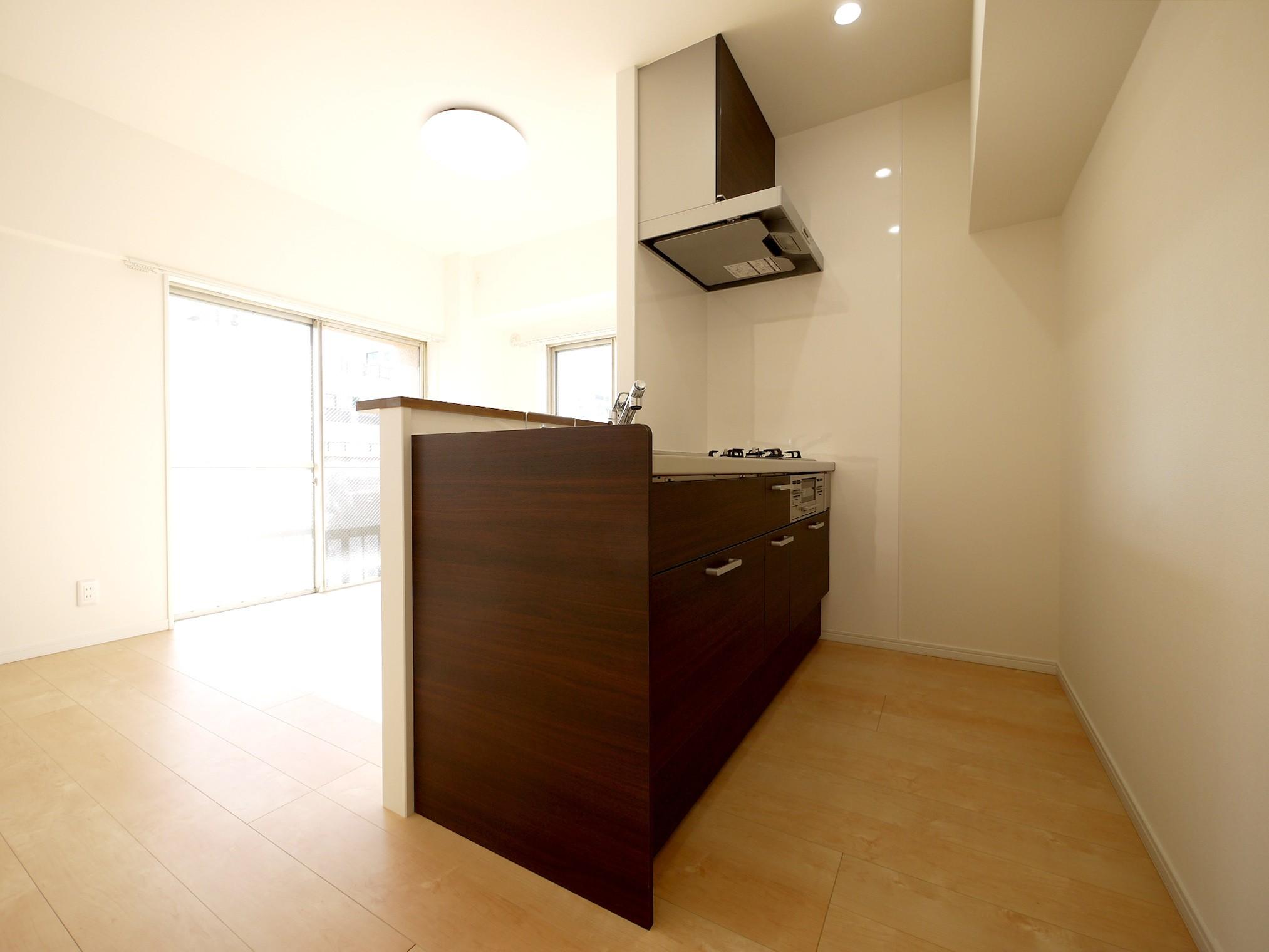 キッチン事例:キッチン(築50年のマンションを住みやすい賃貸ルームに)