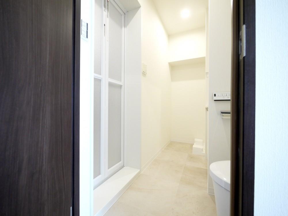 築50年のマンションを住みやすい賃貸ルームに (サニタリールーム)