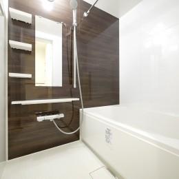 築50年のマンションを住みやすい賃貸ルームに (バスルーム)