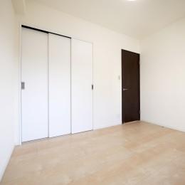 築50年のマンションを住みやすい賃貸ルームに (洋室)