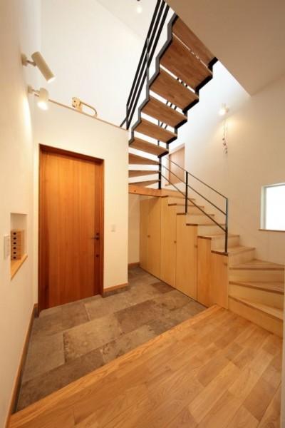玄関ホール (藤沢湘南の家)