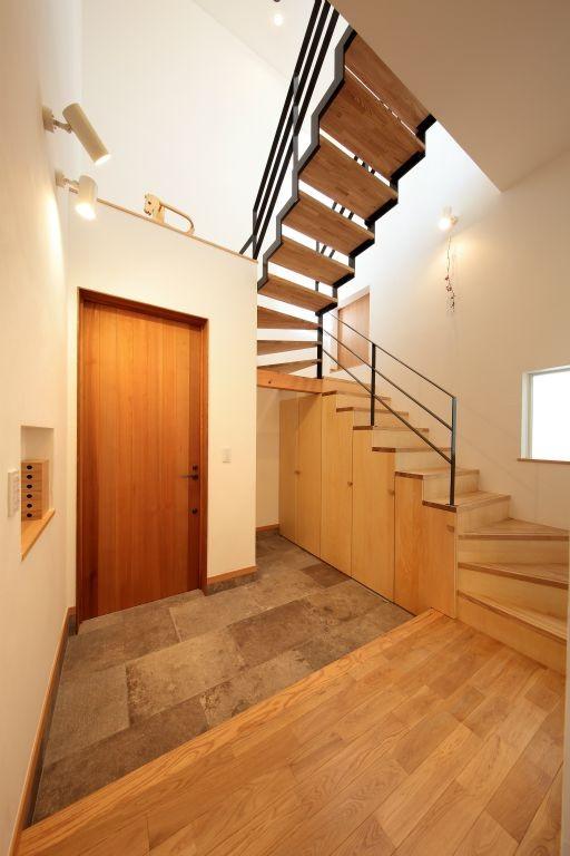藤沢湘南の家 (玄関ホール)