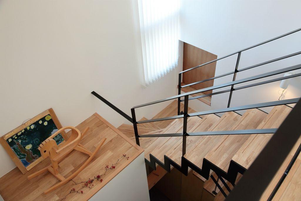 その他事例:階段(藤沢湘南の家)