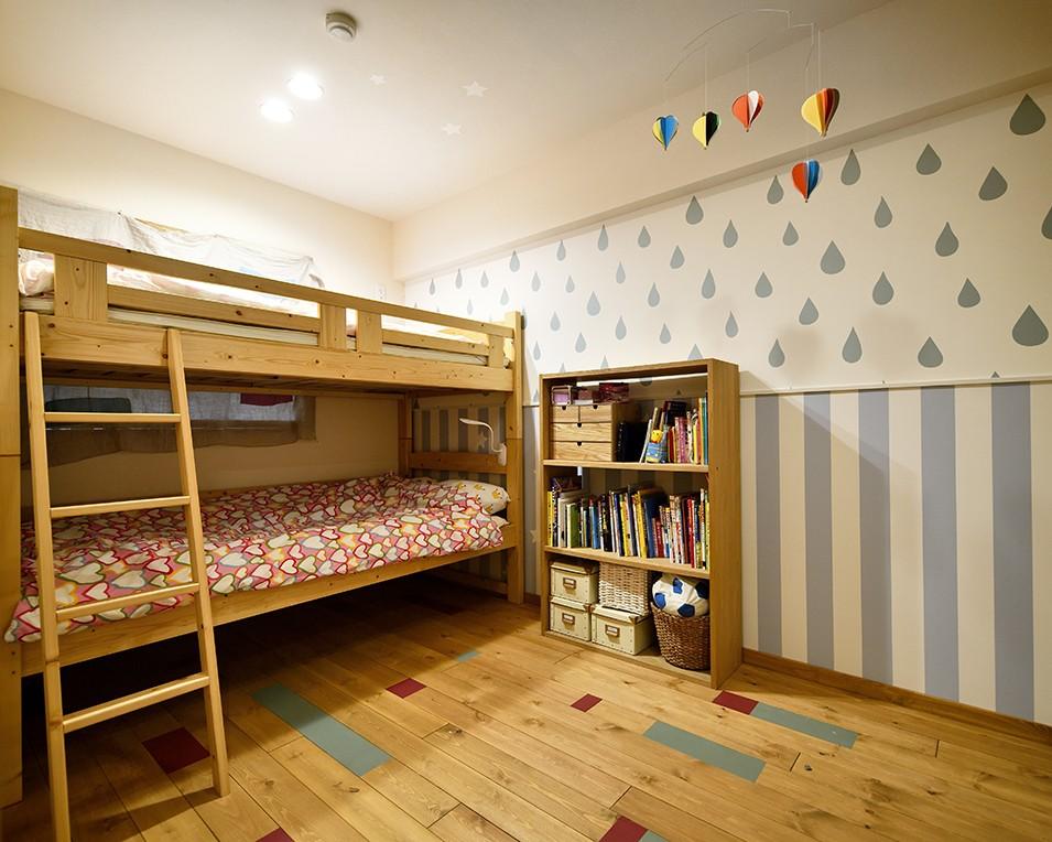 リビングダイニング事例:ポップでかわいい子供部屋(子どもの成長とともにフルリノベーション)