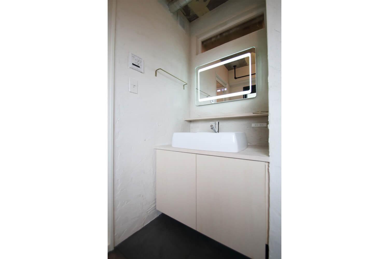 バス/トイレ事例:サニタリー(素材で遊ぶ!珪藻土×塗装×木毛セメント。)