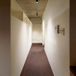 rust リノベ×(デザリボ+リブロック)=無骨でおしゃれな空間 (廊下)
