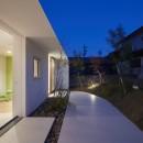 大垣の家 / インナーテラスに囲まれた三角屋根の家の写真 テラス