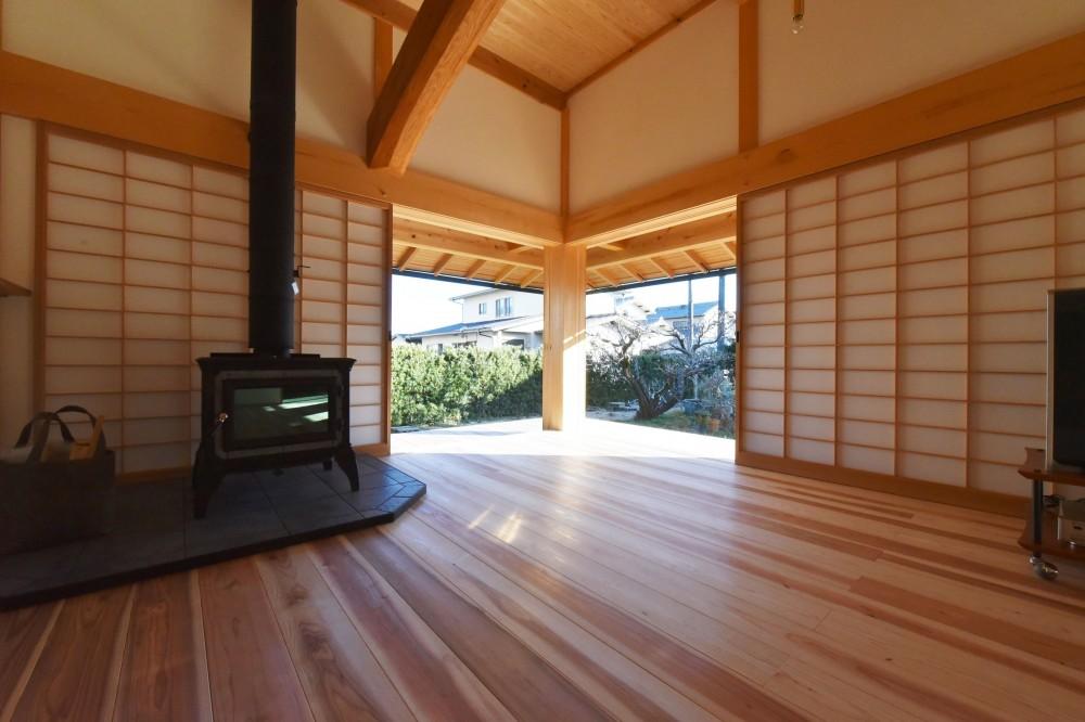 静岡の石場建て (南東の木製建具)