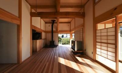 静岡の石場建て (杉の厚板フローリング)
