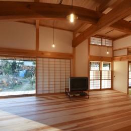 静岡の石場建て (一間開口の木製建具)