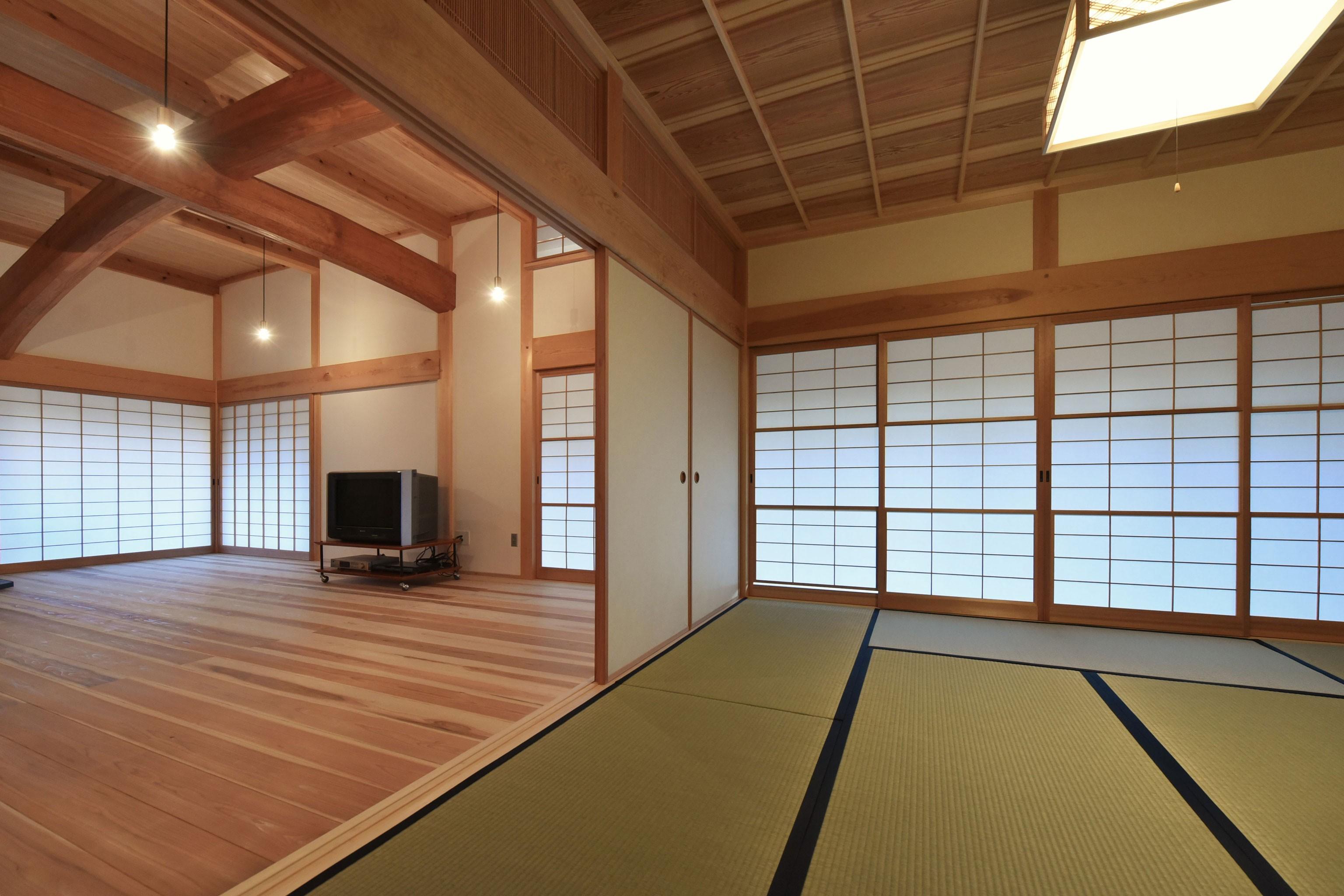 その他事例:和室から、茶の間を見る(静岡の石場建て)