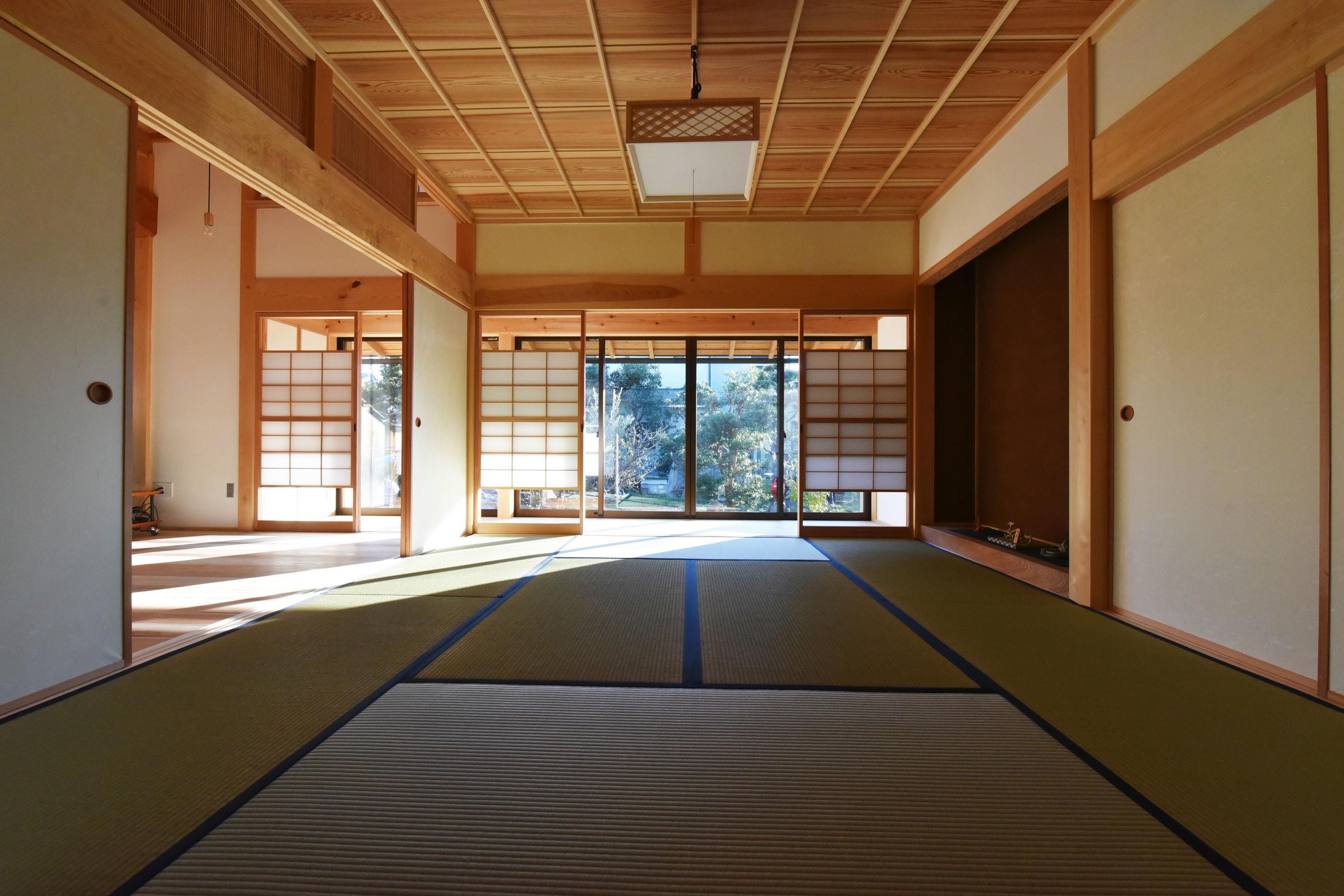 その他事例:和室から、縁側を見る(静岡の石場建て)