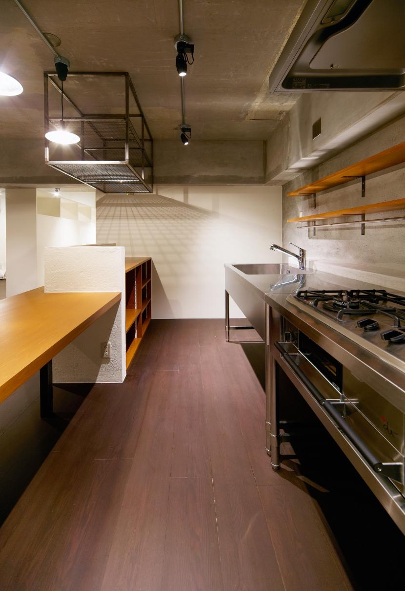rust リノベ×(デザリボ+リブロック)=無骨でおしゃれな空間の部屋 キッチン