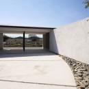 【ichinokuta】無駄のない美空間が広がる平屋のコートハウスの写真 ガレージ