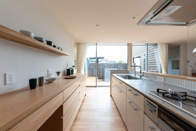 対庭の家 (キッチン)