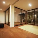 【ama】美しいデザインを突き詰めた街中で異彩を放つ家の写真 ama8