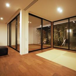 【ama】美しいデザインを突き詰めた街中で異彩を放つ家 (ama8)