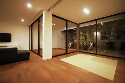 ama8 (【ama】美しいデザインを突き詰めた街中で異彩を放つ家)