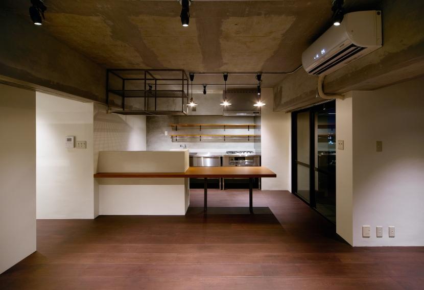 rust リノベ×(デザリボ+リブロック)=無骨でおしゃれな空間の部屋 リビングダイニング2