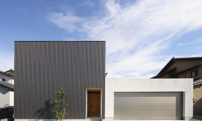 【konan】美しく整ったガレージハウス