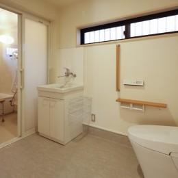 グループホームひなぎく (バリアフリートイレ・浴室)