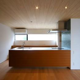 【konan】美しく整ったガレージハウス (キッチン)