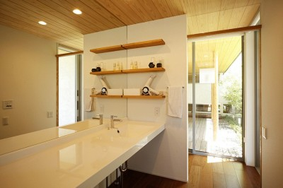 洗面室 (【toyoake】木々で緩やかに目隠しした平屋)