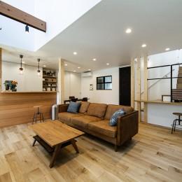 G&S house(ガレージとスキップフロアの家)