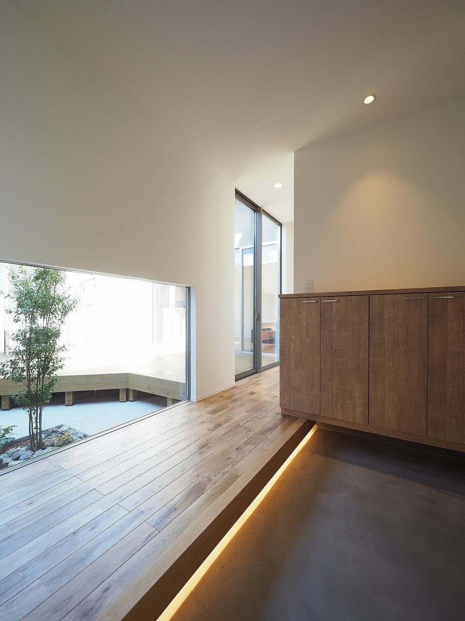 玄関事例:玄関(須賀崎の家  ロの字のコートハウス)