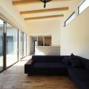 須賀崎の家  ロの字のコートハウスの写真 リビング