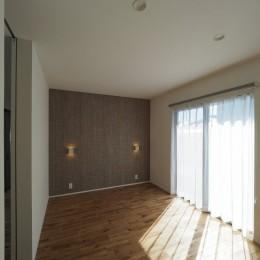 須賀崎の家  ロの字のコートハウス (寝室)