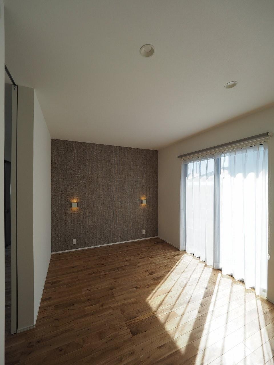 ベッドルーム事例:寝室(須賀崎の家  ロの字のコートハウス)