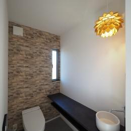 須賀崎の家  ロの字のコートハウス (トイレ)