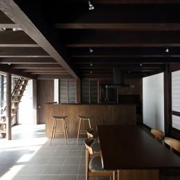小浜の民家再生 (居間・食堂・台所)
