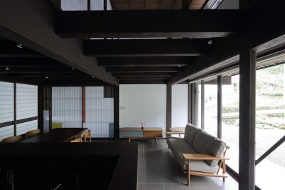 居間・食堂・台所 (小浜の民家再生)